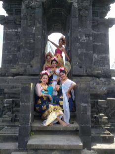 dwibhumi-balinese-dans-pairi-daiza-saraswati-2