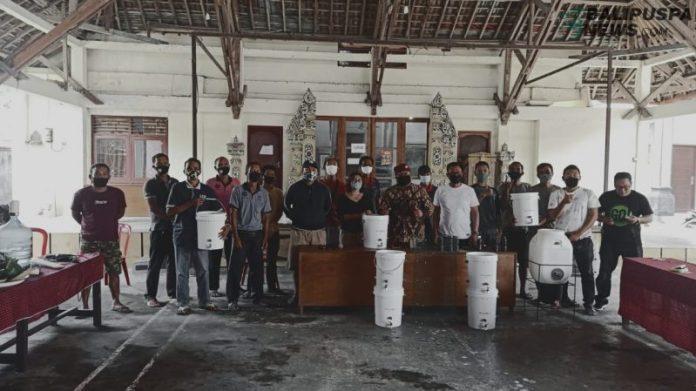 Tim komposter Desa Bengkel, Kediri, Tabanan