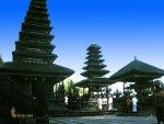 goa, lawah, goa lawah, bali, goa lawah bali, bat cave, bali bat cave, places, places to visit, temple building