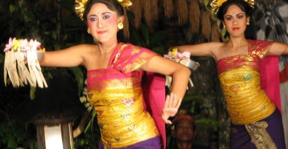 Balinese Legong Dance – Ubud Village