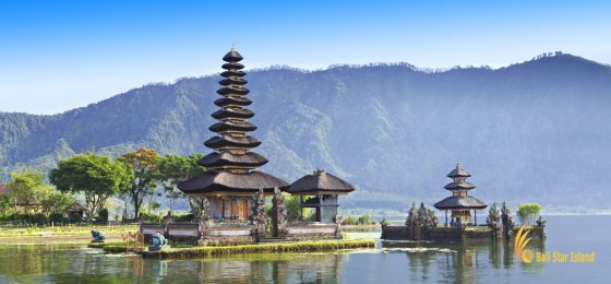 Ulun Danu Temple Bedugul – Bali Temple on Lake