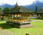 beratan temple, bale, ulun danu, bali, bedugul, beratan, temples, ulun danu temple, bedugul bali, places, places of interest, lakes, temple on lake, bali temple on lake