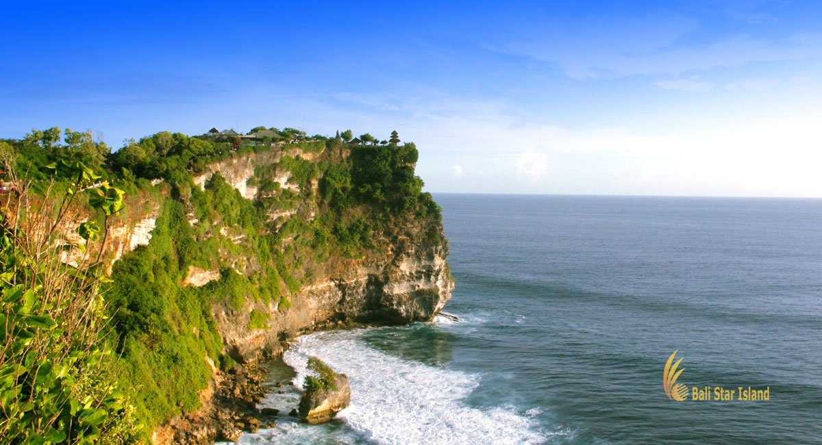 Uluwatu Temple | Bali Hindu Temple Cliff Bank