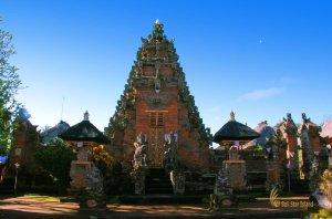 entrance, gate, batuan temple, bali, hindu, places