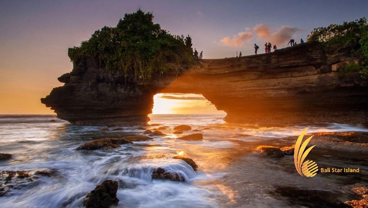 Tanah Lot Sunset Tour – Bali Tourist Activities