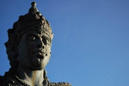 Kepala patung GWK