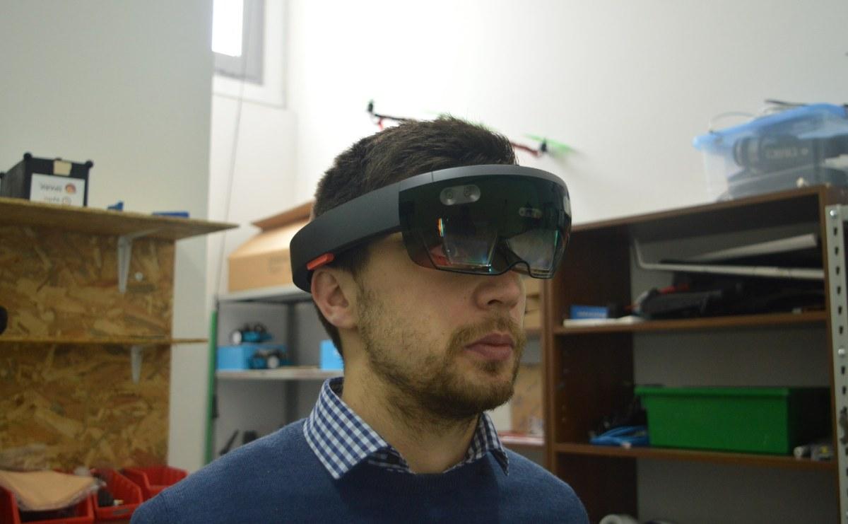 Hololens-Andrijan [Najava recenzije] Microsoft Hololens i HTC Vive - pogled u najbolju virtualnu i miješanu stvarnost današnjice!