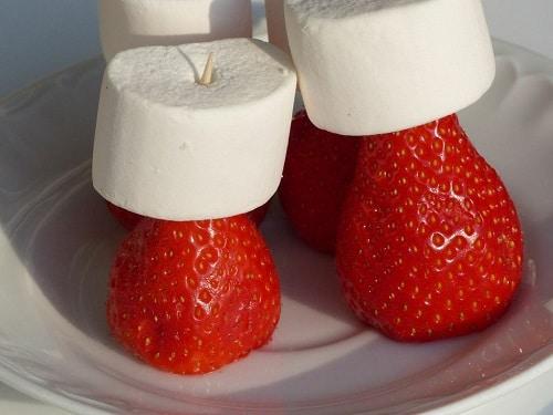 Erdbeer-Marschmellow-Spieße