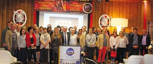 L'ensemble des commerçants, élus et représentants de la CCI au Casino