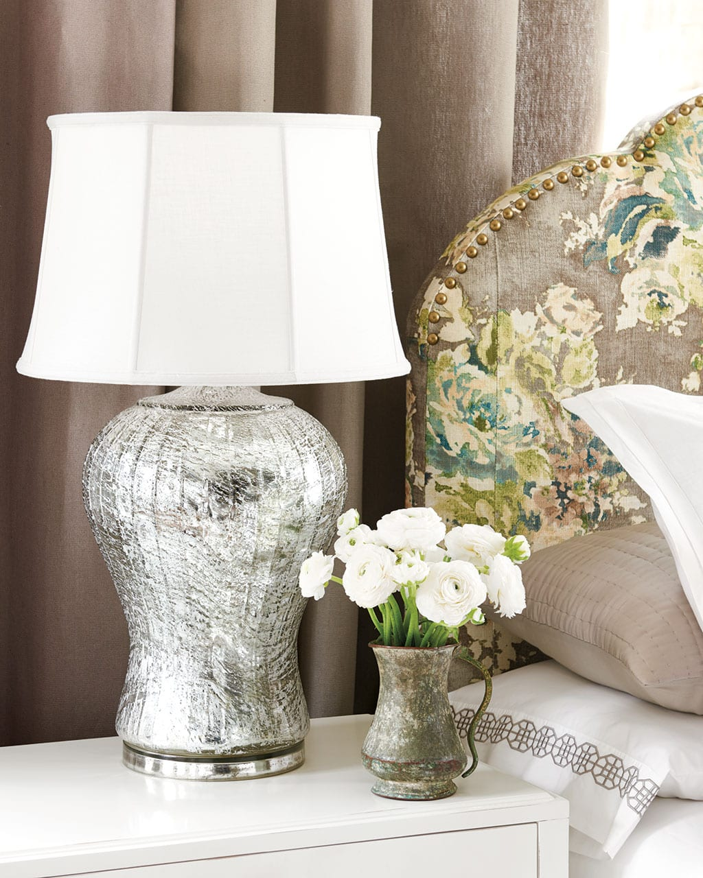 How Do I Choose The Right Lamp Shade How To Decorate