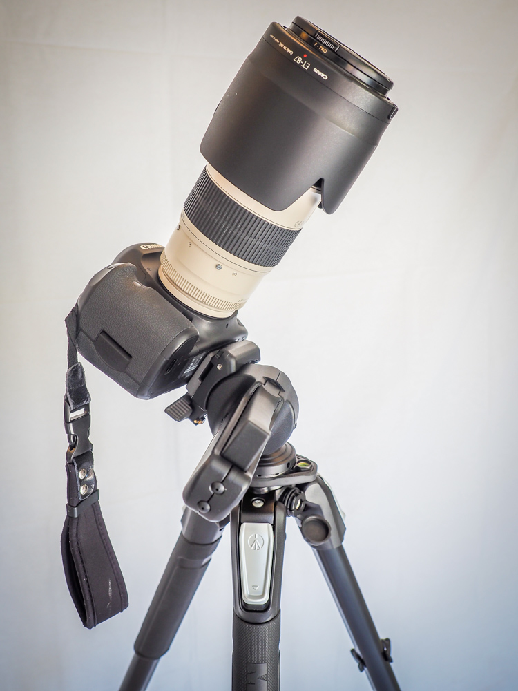 Even with the giant Canon EF 70-200 lens, you can still angle the camera in any direction without any slipping. It holds its position just fine.