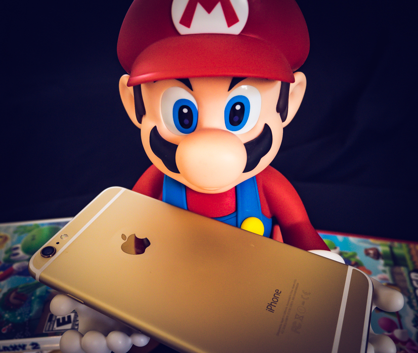 Look at that - don't they look good together? Mario and the iPhone - together at last!