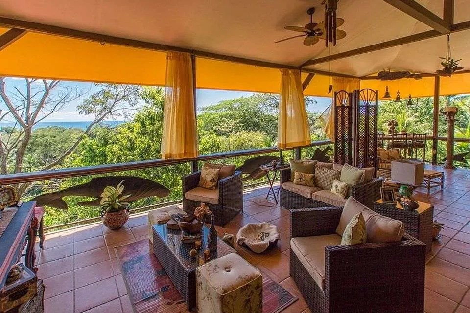 Eclectic, Unique Ocean View Home near Uvita – Perfect for Creatives!