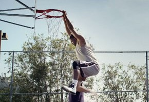 Boost Mobile Presents: Avoid The Junk Dunk (Video)