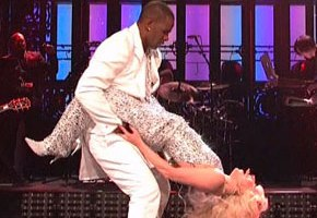 Lady Gaga Gets Freaky With R. Kelly On 'SNL'