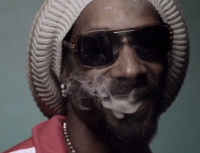 Snoop Lion ft. Collie Buddz - Smoke The Weed (Music Video)