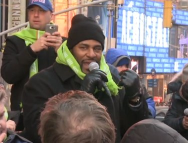 Jerome Bettis Takes NFL Fans On Ultimate Super Bowl Tour