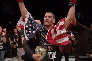 Chris Weidman wins at UFC 175