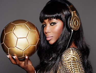 Beats By Dre x Naomi Campbell 24-Kt Gold Beats Pro