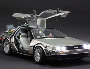 Hot Toys 'Back To The Future' DeLorean Time Machine
