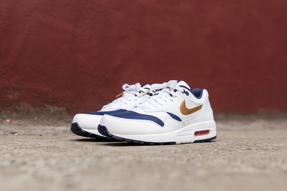 buy online ba5b7 e105d Nike Air Max 1 Essential - Olympic