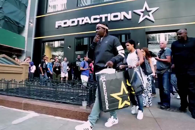 Footaction opens megastore in chicago for Mobilya megastore last minute