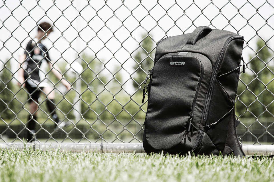 2915cf424d Incase Debuts Limited 2016 Sport Field Bag