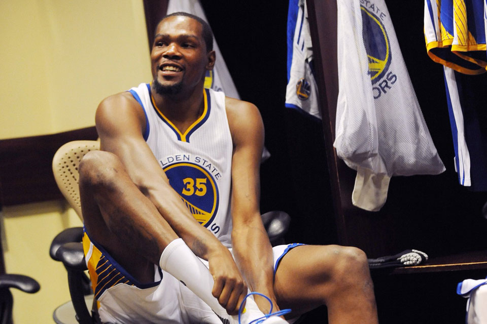 cheap for discount 6479b a0ead First Look at Kevin Durant in Golden State Warriors Uniform