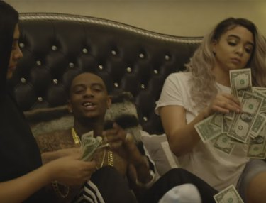 Bow Wow & Soulja Boy - F*cking Up A Check (Video)