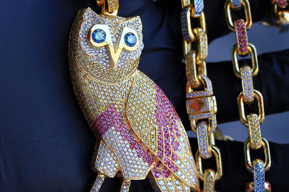 baller you jeweller ba a gives so closer s chains chain celebrity at look ben drake new icy jeweler drakes