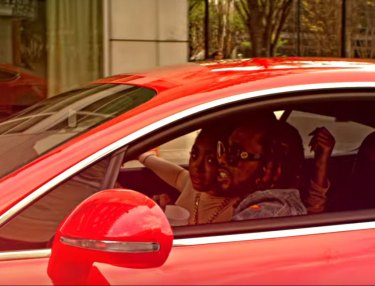 Skeme Red Coupe Video
