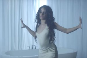 Camila Cabello - Crying in the Club (Video)