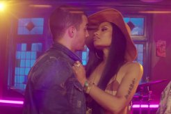 DNCE Nicki Minaj - Kissing Strangers (Video)