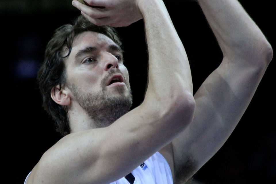 Pau Gasol returns to San Antonio Spurs