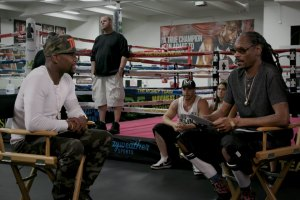 Snoop Dogg Talks to Floyd Mayweather