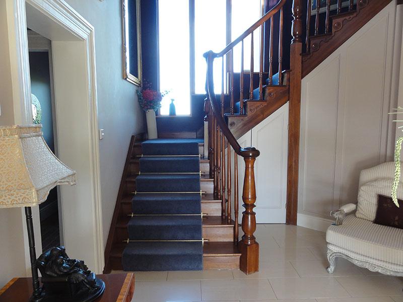 Mahogany Cutstring Stairs 130