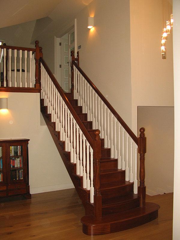 Mahogany-stairs-ballingearyjoinery.ie7.JPG-1.jpg