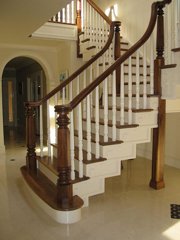 Walnut-stairs-ballingearyjoinery.ie5.JPG