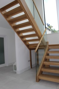 oak stairs with glass balustrade