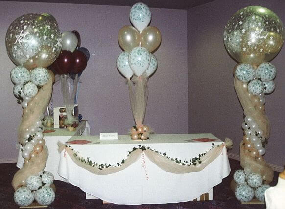Beautiful Head Table Decorations With Balloons