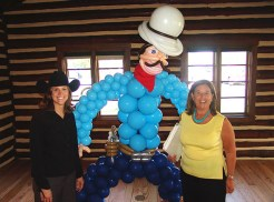 balloon-cowboy-with-friends