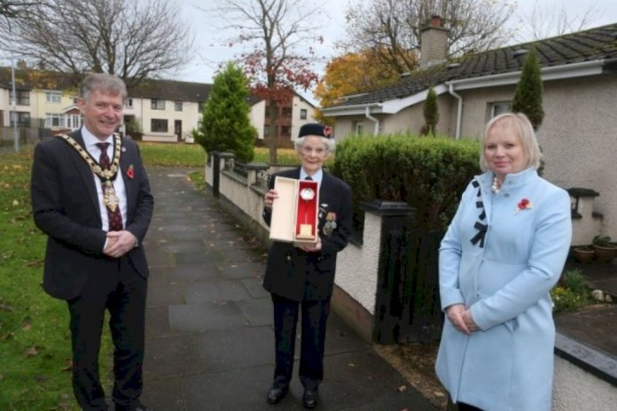 special-day-for-the-borough-as-silver-poppies-of-remembrance-are-presented-to-world-war-ii-veterans