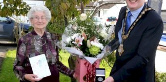 limavady-centenarian-dorothy-cunningham-receives-centenary-civic-gift
