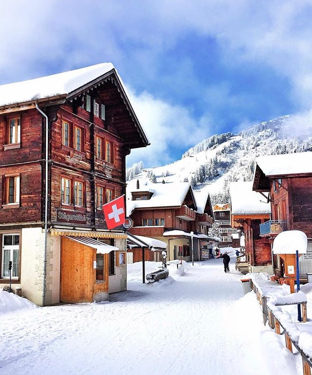 Beautiful Swiss Villages under the snow   Balmers Hostel  Camping   CLUB Beautiful Swiss Villages under the snow