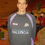 Juanjo con la camiseta de Palencia Baloncesto