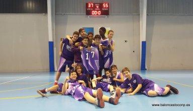 Los niños del infantil B dedican la victoria a su compañero lesionado hace unas jornadas, Alfonso Herrero. Gran detalle