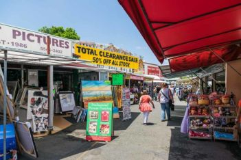 Carrara Markets is an open-concept market with over 400 stalls.