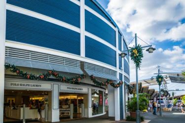 Harbour Town has a good range of brand outlets, speciality retailers, alfresco dining, entertainment and services.