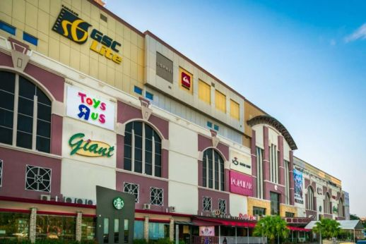 Opened in Oct-1996, Bintang Megamall is one of the most popular retail malls in Sarawak, Malaysia