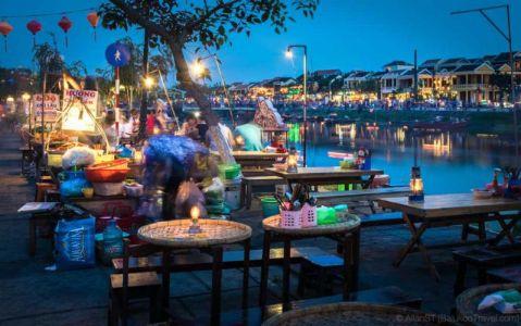 Riverside food vendors. Hoi An Ancient Town. (Da Nang, Vietnam)